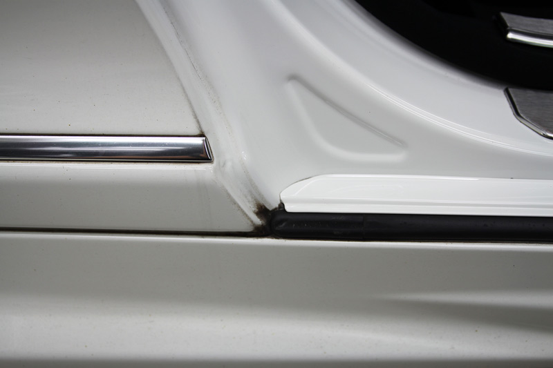 メルセデスベンツ CL63 AMG 細部分のクリーニング・コーティング施工前。