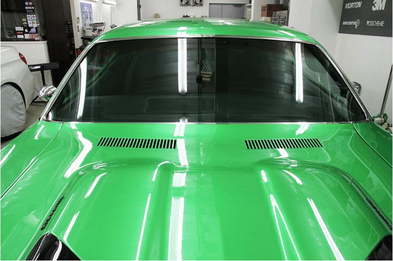 プリマス クーダ フロントガラスガラスへシルフィードFGR-500 断熱カーフィルム施工。