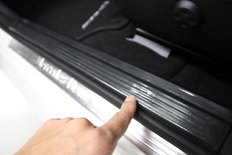 CLS550 ステップ部分へプロテクションフィルム施工。