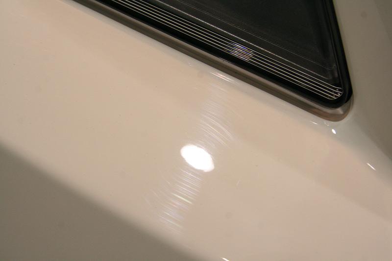 磨き、R-2ボディガラスコーティング前のフロントバンパー。