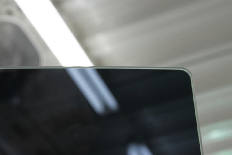 アウディ S5 スポーツバック   断熱カーフィルム施工後のリアドアガラスのふち。