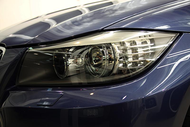 BMW アルピナ B3 (3)レンズカバー磨き!