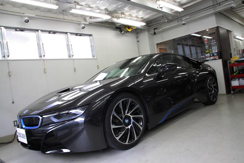 BMW i8 ウィンドウガラス全面断熱フィルム施工。